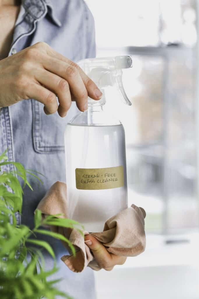 DIY Streak-Free Glass Cleaner Recipe