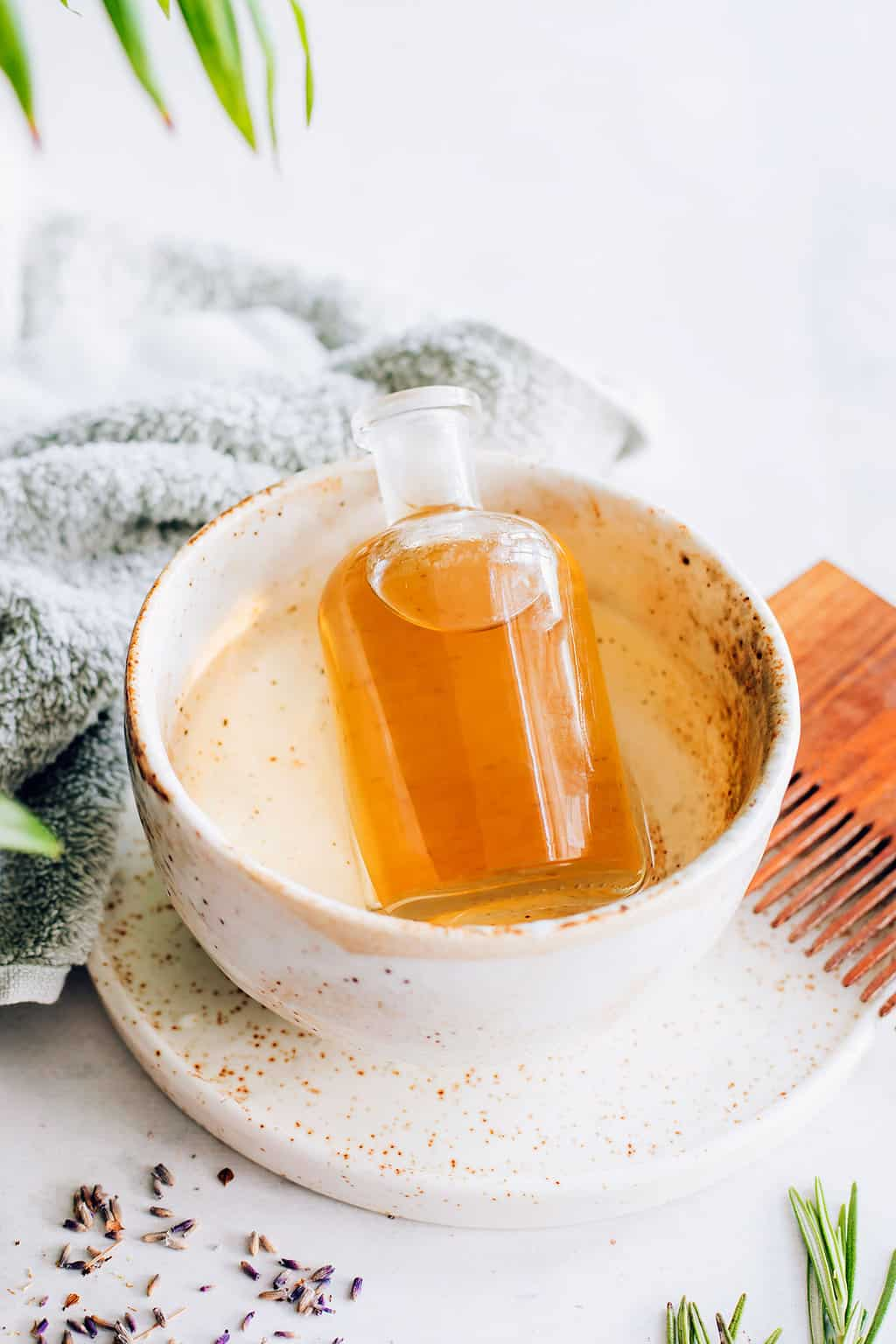 The best ways to use castor oil to help grow hair