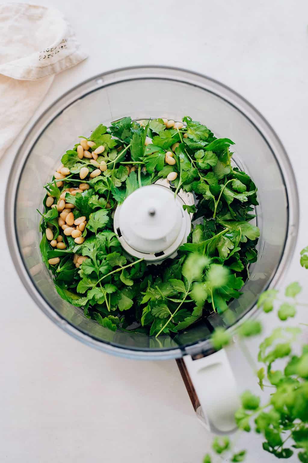 How to make detox cilantro pesto