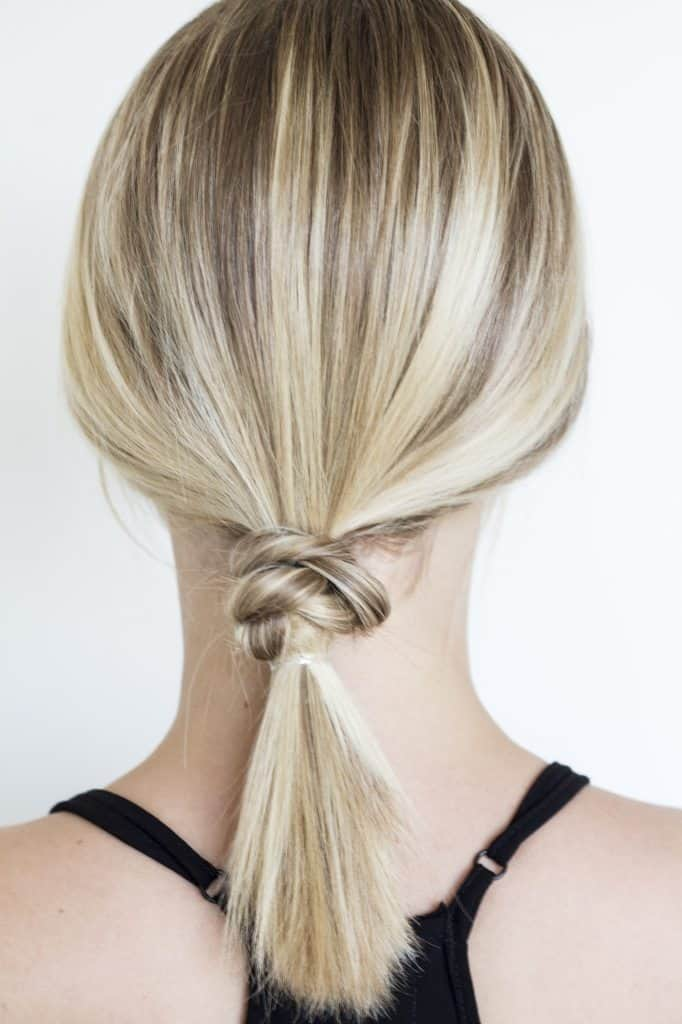 Simple and Chic Knotted Ponytail from The Blondie Locks