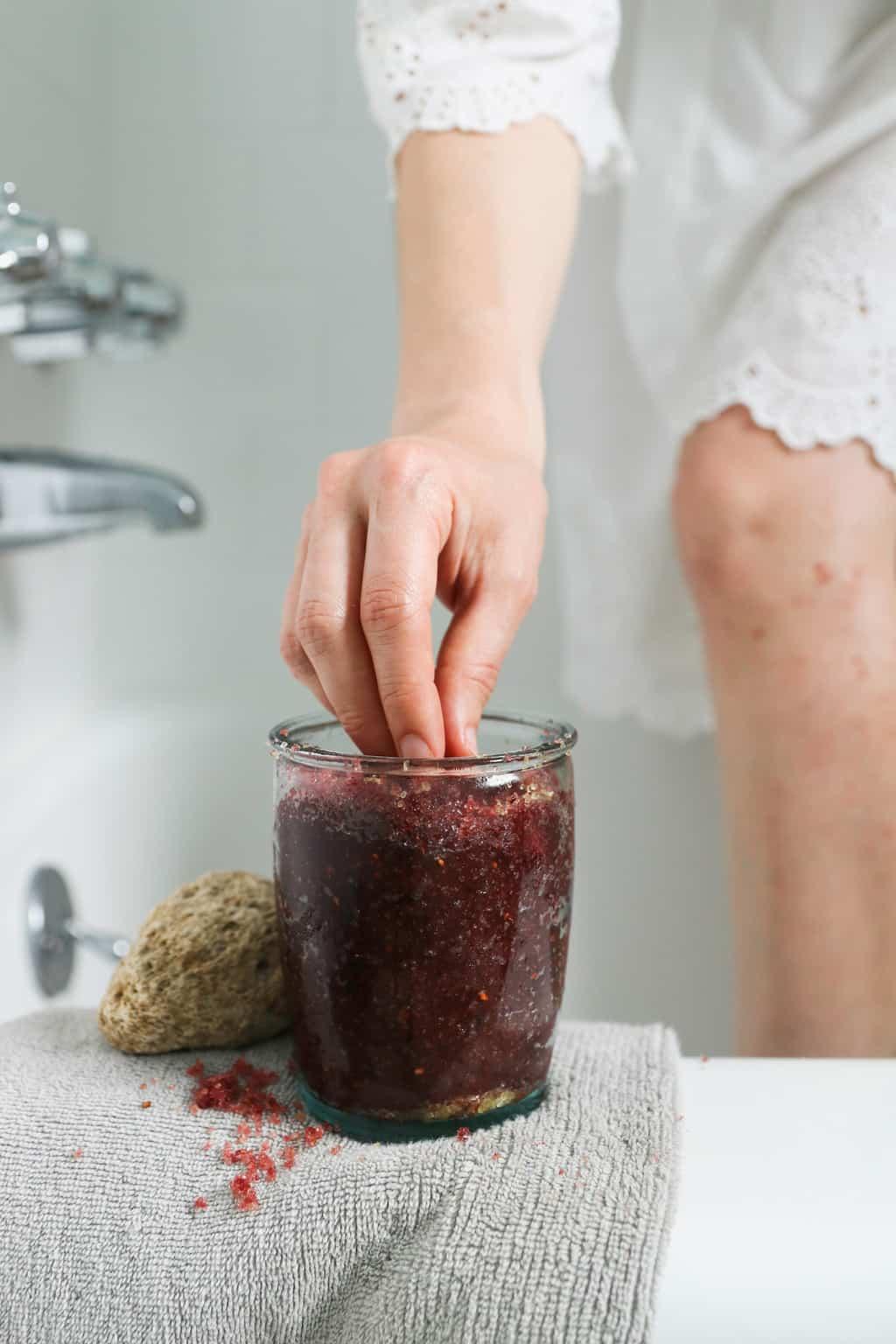 DIY Blackberry Sugar Scrub Recipe