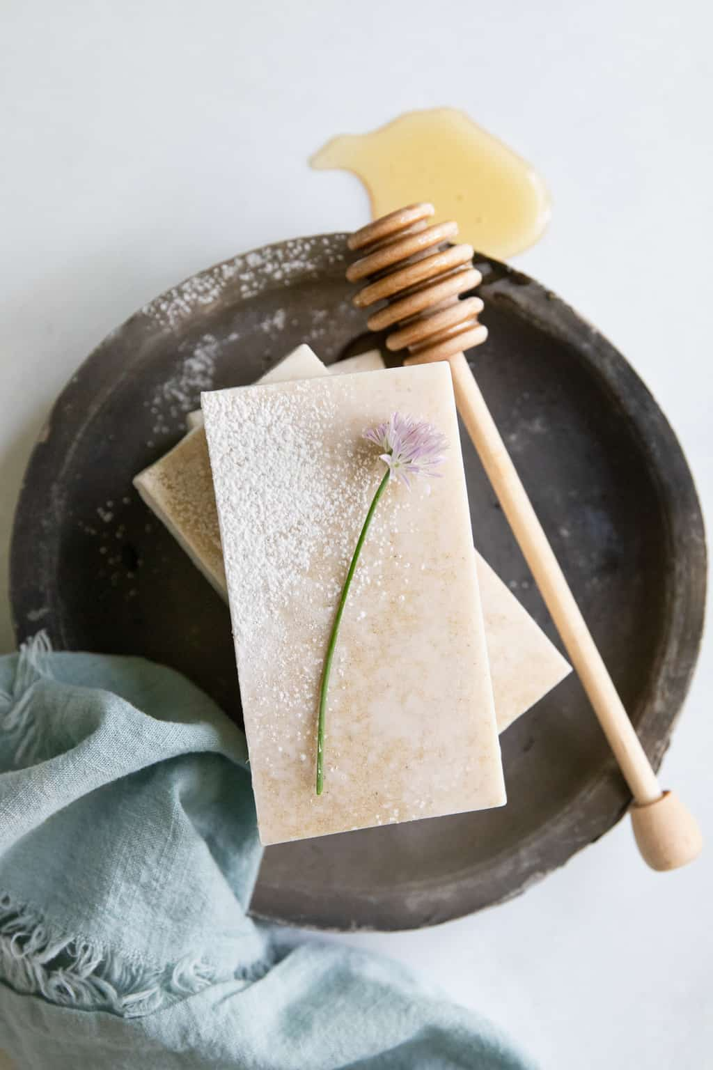 With a hydrating combination of ingredients to heal dry, irritated and sensitive skin, this DIY goat milk soap is just what you need this winter.