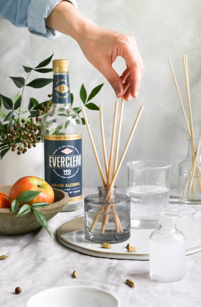 DIY Natural Reed Diffusers with 5 Essential Oil Blends Inspired by Fall Baking - Hello Glow